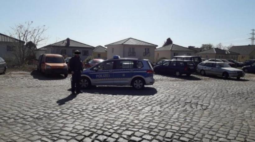 Bild: Herr Mattes Im Rahmen von Ermittlungen ein Fahrzeug begutachtet