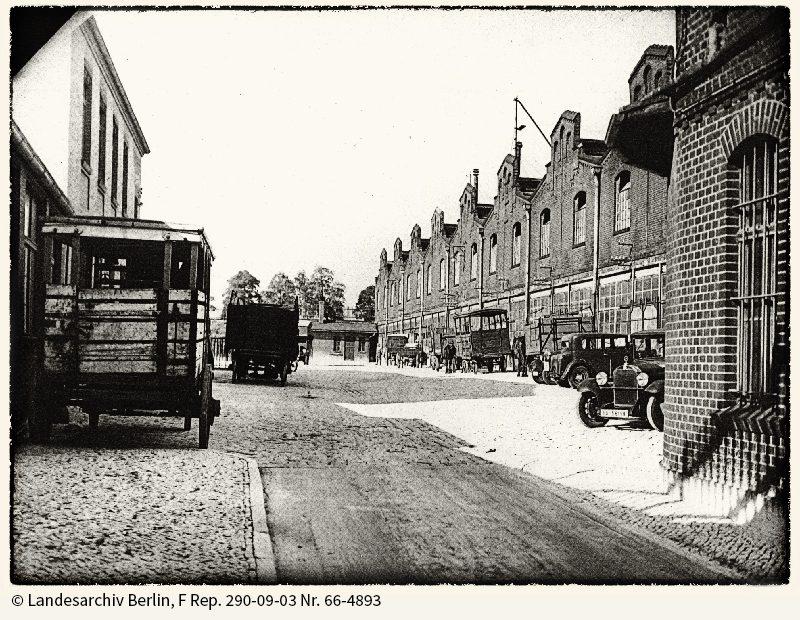 Teilansicht des Magerviehhofs mit den Viehhallen, 1934